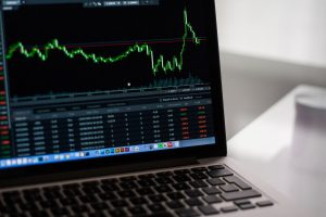 5 Ways Online Brokers Can Be Beneficial For Investments