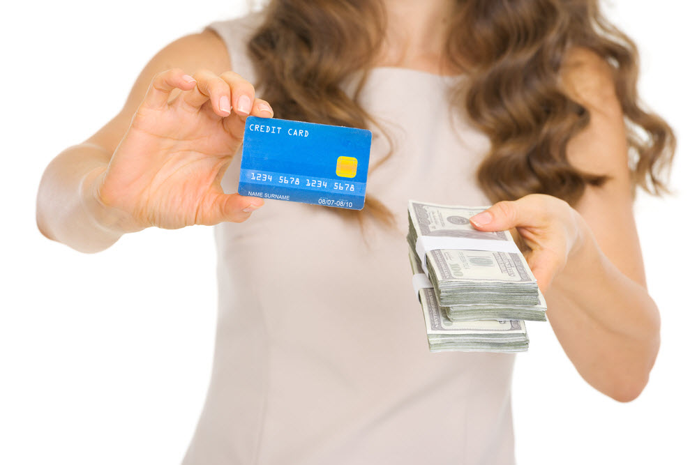 Should You Use Cash or Credit Cards?
